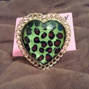 Authentic NWT Betsey Johnson Giant Heart Ring!