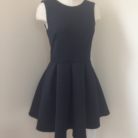 ASOS Dresses & Skirts - {JUST 🔽}BNWT ASOS BONDED SKATER DRESS | size 6