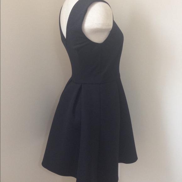 ASOS Dresses - {JUST 🔽}BNWT ASOS BONDED SKATER DRESS | size 6