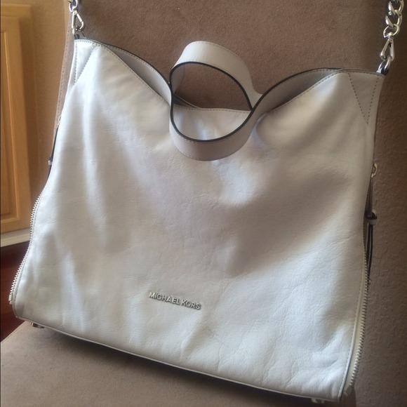 83c2bfea64f6 Michael Kors Bags | Devon Large White Shoulder Tote Bag | Poshmark