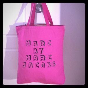 Marc Jacobs Bags - 💯Authentic Marc Jacobs Tote