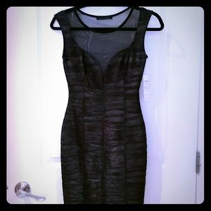 **NWOT ** Textured Metallic Bodycon Dress