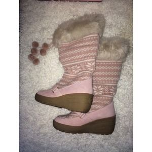 Juicy couture pink snow boots