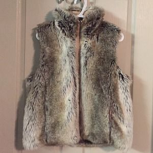 Host pick 12/11 Faux fur vest grey and brown
