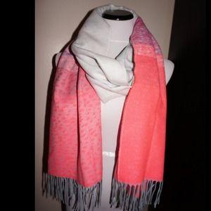 Gap pink and grey scarf