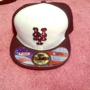 Other - Limited editions mets fitted