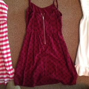 H&M maroon  cross zip up dress. Size: small