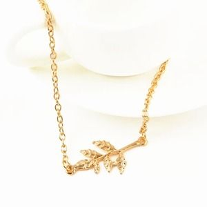 Gold Leaf Dainty Necklace