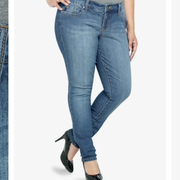 4d4df29225 Torrid skinny jeans size 18