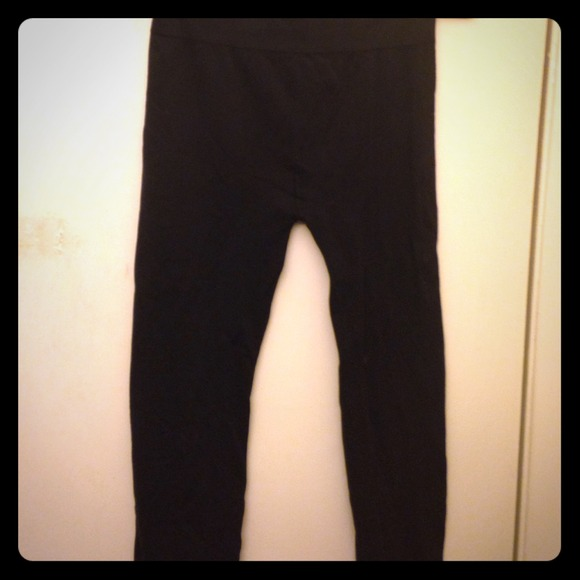 Saywhat Black Kneelength Yoga Tights Size