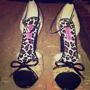 Betseyville betsey johnson heels