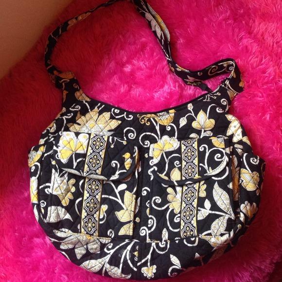 af44c9ddd2d2 Vera Bradley cargo sling purse. M 547e09244107cc53fa388c94