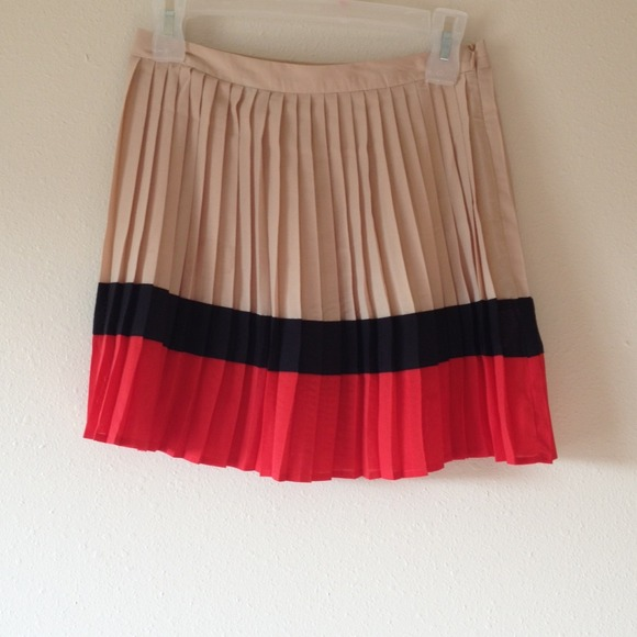 a0326f582f Forever 21 Skirts | Color Block Pleated Skirt | Poshmark