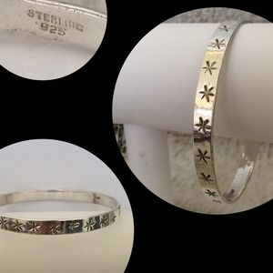 Jewelry - Sterling Silver Star Bangle Bracelet🎉HP🎉