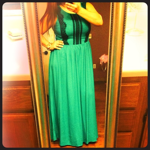Gibson Latimer Dresses Emerald Green Formal Maxi Dress