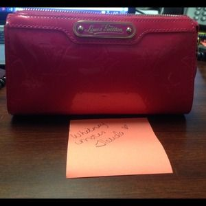 ❤️SOLD ❤️Authentic LV cosmetic pouch in rose pop