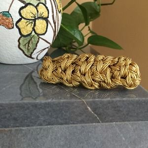 Accessories - 🎉HP🎉Gold Woven Rope Hair Barrette