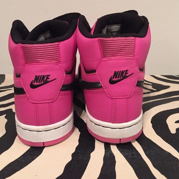 ebce30e35a0260 ... Nike Shoes - Nike Prestige Pink High Tops!