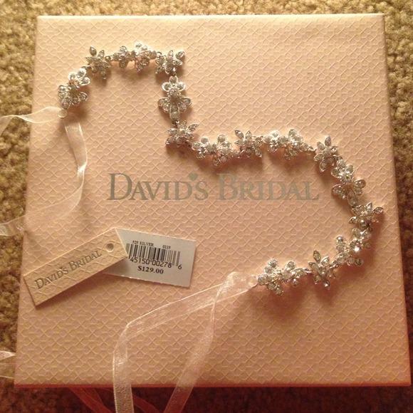 David s Bridal Jewelry - Gorgeous David s bridal headband💕 c699f54b524