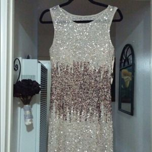 New Adrianna Pappell Gold sequin cocktail dress