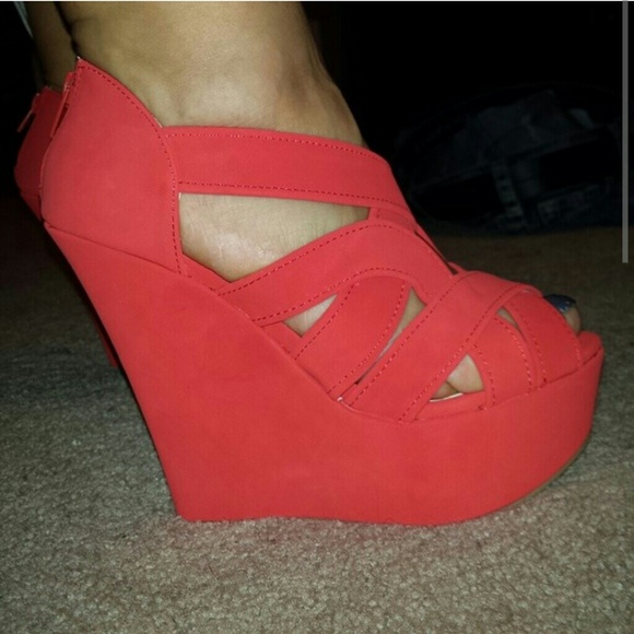 56f099d0496 New Coral wedges