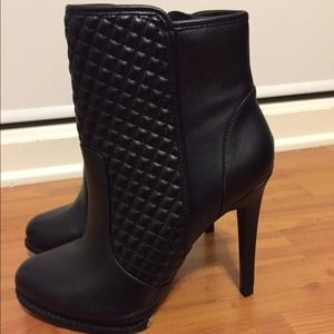 Forever 21 Shoes - Black faux leather quilted ankle boots Sz 8.5
