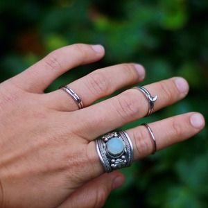 LUNA KNUCKLE RING SET