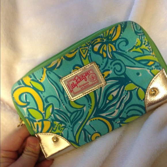 Lilly Pulitzer Clutches & Wallets - Lilly Pulitzer Tri Delta Wallet