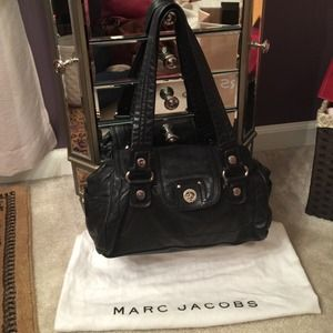 Marc by Marc Jacobs Black Turn lock shoulder bag