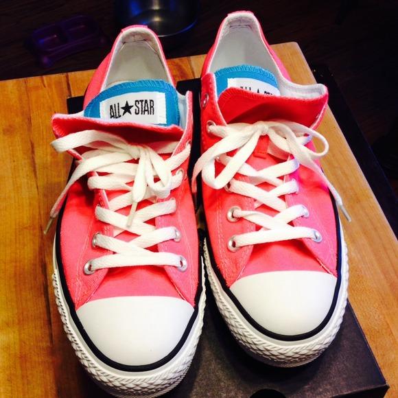 250980a6325d62 Brand new neon pink converse all stars.