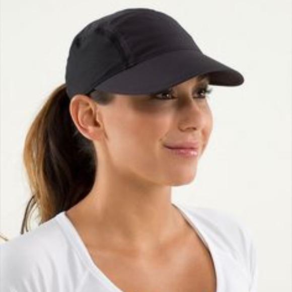 lululemon athletica Accessories - Lululemon black run hat 2ec12c9c63a