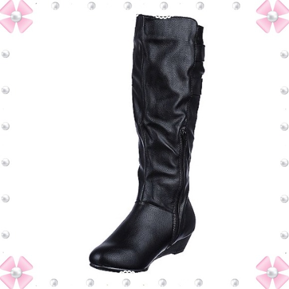 comfy casual black boots 7 5 from miss s closet on poshmark