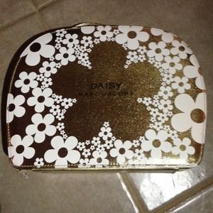 Daisy Marc Jacobs Case