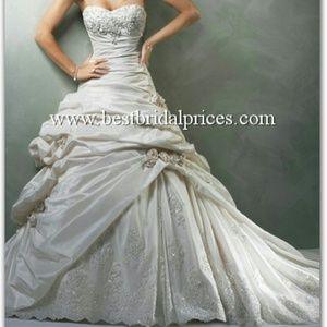 Maggie soterro wedding dress