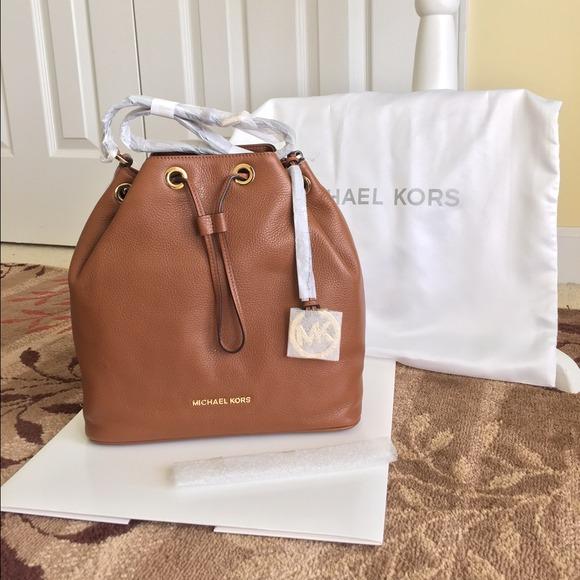 b8da9bf0f9d3f2 Michael Kors Bags | Mk Jules Drawstring Leather Large Shoulder Bag ...