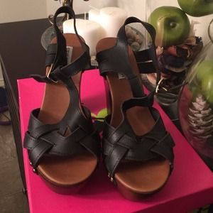 Steve Madden wooden heels