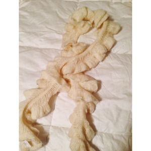 Off white scalloped scarf