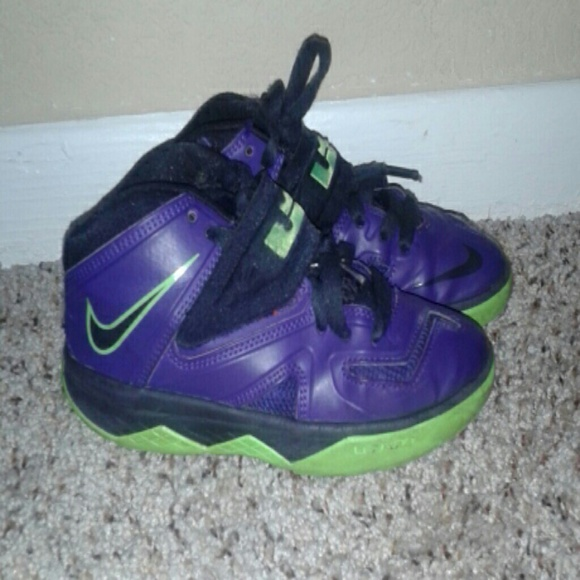 nike lebron purple boys shoes lime green