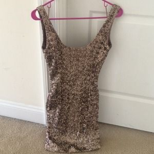 ✨✨✨REDUCED✨✨✨ Gold sequin dress