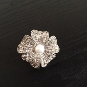 Cache Jewelry - Cache Pearl Flower Ring