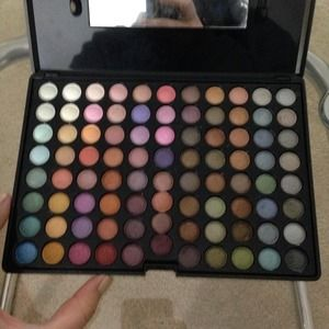 88 color eyeshadow pallet