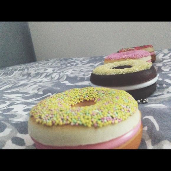 Squishy Donut Mirror : Accessories - Squishy donut mirrors 2