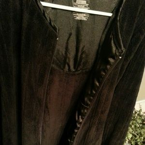 Other - Black Front Zipper Robe