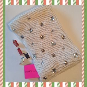 Betsey Johnson Accessories - Betsey Johnson Jeweled Neck Warmer❄️