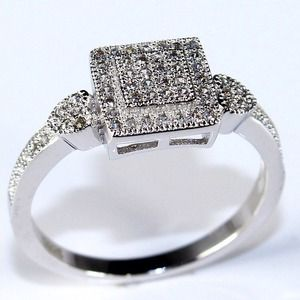 Jewelry - ??Beautiful anniversary/engagement ring NWOT??