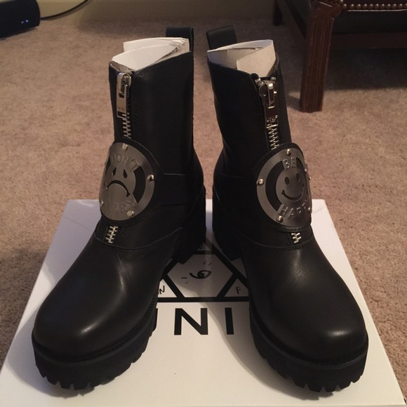 8 unif boots sold unif dwbh boots size 6 from