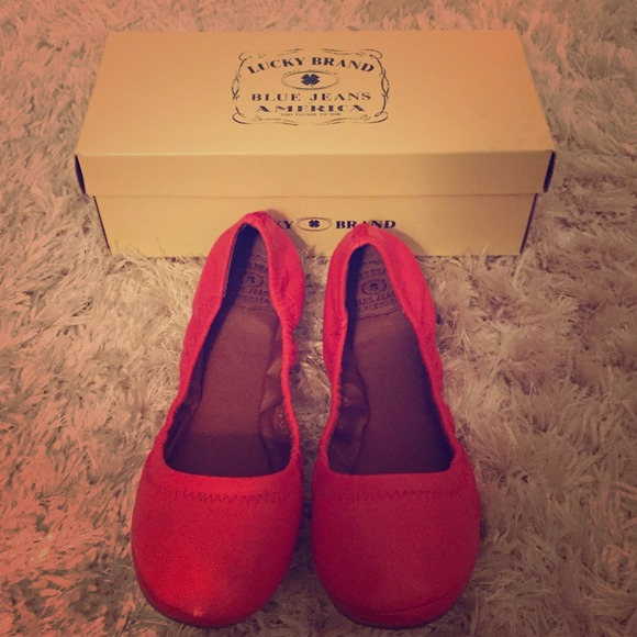 Size8 Very Red Eco Napa Emmie Flats