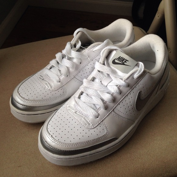 428139d41e White Nike Shoes with Silver Swoosh