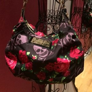 Betseyville rose and skull print purse