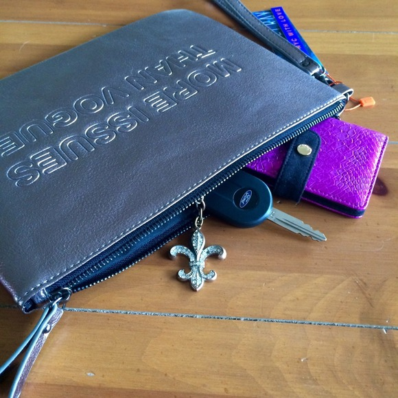 Zara Clutches & Wallets - Violet Ray More Issues Than Vogue Metallic Clutch